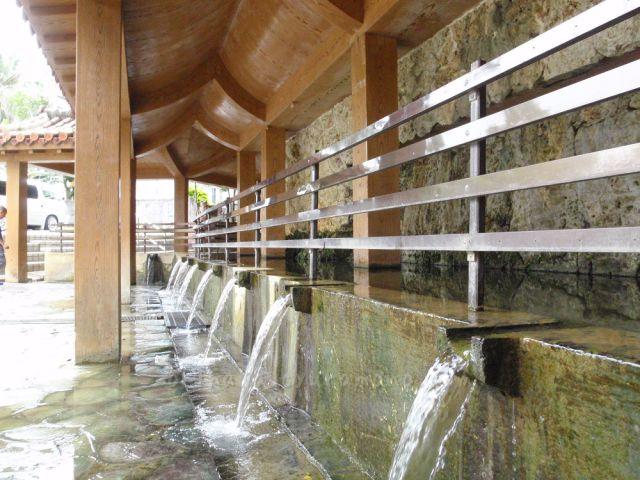 金武大川の湧水