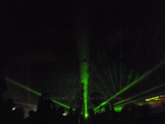 レーザーショーや花火の打ち上げでフィナーレ