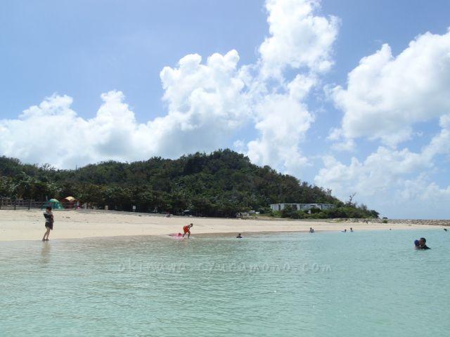 沖縄は海開き